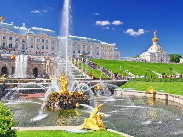 Белите нощи в Санкт Петербург и Москва