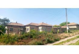 Продава се прекрасна къща в село Садина