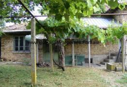 къща в с. Ломци