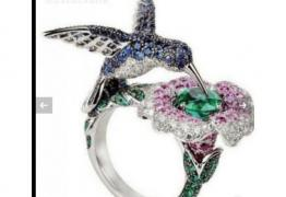 Прекрасен пръстен сребро, сапфир и смарагд