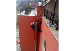 Ремонт на покриви алпинисти
